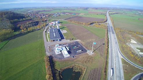 REWE Markt und ARAL Tankstelle