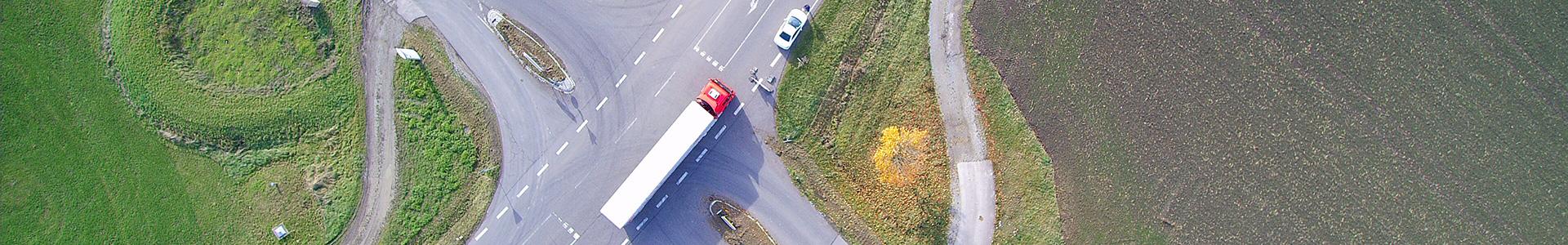 Die Einfahrt zum Gewerbepark Rothenburg ob der Tauber und Umland aus der Vogelperspektive